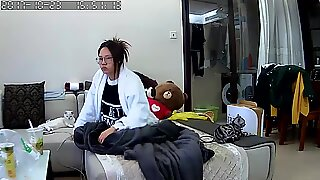 Korean babe caught masturbating on hacked wecam