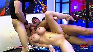 Chessie Kay cannot stop blowing fat dick getting Bukkake cumshots GermanGooGirls